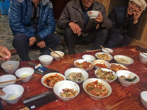 08-大利侗寨-本地人长桌宴