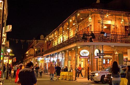 01-新奥尔良-波本街 Bourbon St.