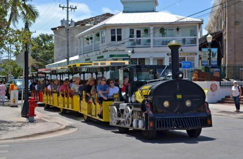 13-西礁岛-小火车